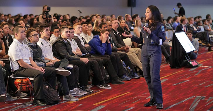 Round-the-World Pilot Shaesta Waiz Inspires Students at NBAA Careers in Business Aviation Day