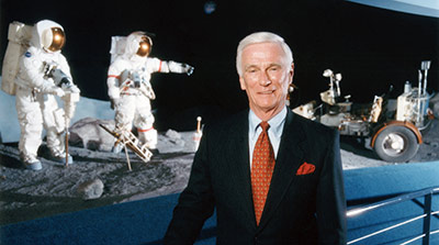 Legendary Astronaut, Aviation Mentor to be Recognized at 2013 Convention